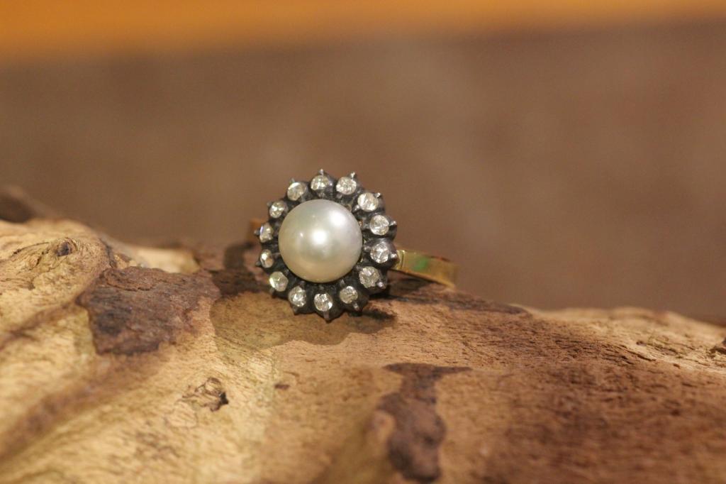 Rozet ring roosdiamant met parel 1