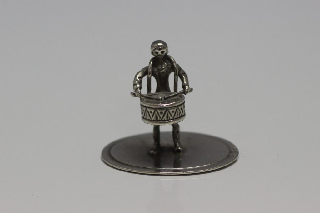 zilveren miniatuur trommelaar 2