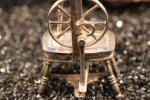 Zilver miniatuur spinnewiel klein foto 2